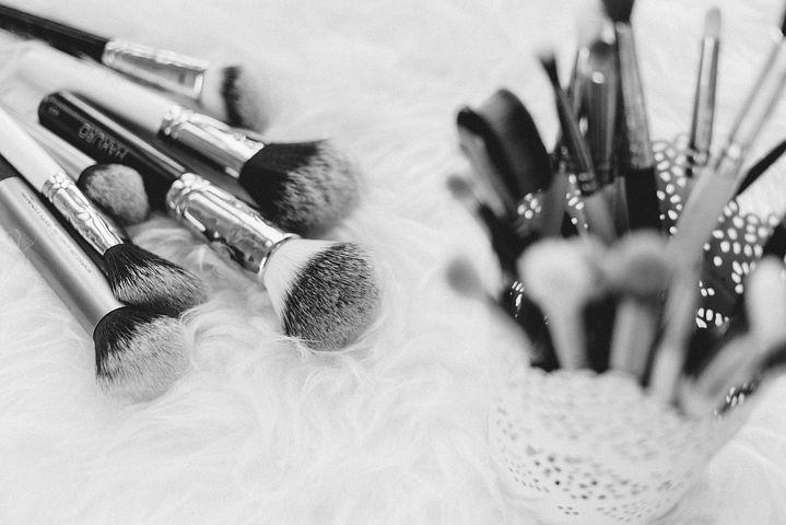 Quel matériel pour un maquillage réussi ?
